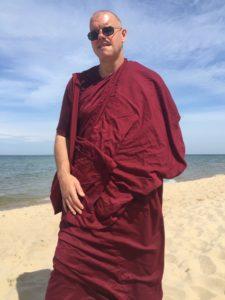 Bhikkhu2
